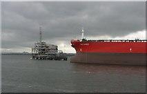 NT1580 : Hound Point terminal by Richard Webb