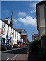SH3735 : Stryd Penlan, Pwllheli by Alison Pryce