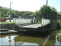 SE1537 : Dock Swing Bridge, Shipley by Mark Morton