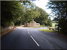 SD5162 : Postern Gate Lodge by SIMON PHILLIPS