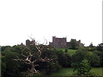 SN3510 : Llansteffan Castle by Cered
