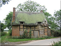 SP2050 : Atherstone on Stour, Thatched Cottage by Dave Bushell