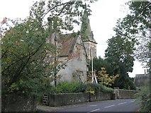 TQ7035 : Kilndown Church and a Village House by Hywel Williams