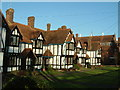 SP9211 : The Louisa Cottages, Park Road, Tring by Rob Farrow