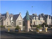 NJ9205 : Queen's Cross, Aberdeen by Richard Slessor