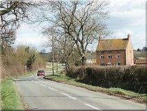 SO9964 : Wallhouse  Farm on Wallhouse Lane by Martin Wilson