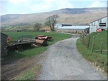 SD7579 : Gunnerfleet farm. by Steve Partridge