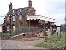TF6830 : Dersingham, Norfolk by Ralph Rawlinson