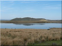 NS2472 : Dunrod Hill and Loch Thom by Thomas Nugent