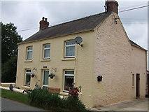 SM9532 : Roadside cottage, Llanstinan by ceridwen