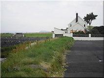 D3412 : Seaside House by Nygel Gardner