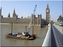 TQ3079 : Westminster Bridge and the Houses of Parliament by Dave Taylor
