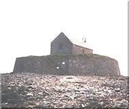SH3368 : Eglwys Cwyfan Sant by Eric Jones