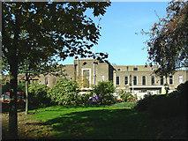 TQ5189 : Romford - Town Hall by John Winfield
