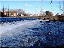 SK3536 : River Derwent Weir by Garth Newton
