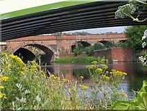 SJ8297 : Bridging the Irwell by R lee