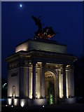 TQ2879 : Moonrise over the Wellington Arch by Colin Smith
