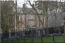 TQ2579 : Millionaires Row, Kensington Palace by Alan Pennington