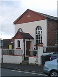 SO8690 : Swindon United Reformed Church by John M