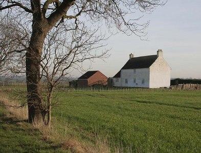 TF1077 : Lincoln Road Farm by Alan Murray-Rust