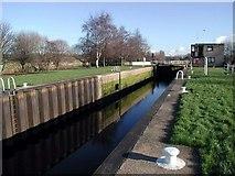 SE3629 : Woodlesford Lock by Paul Glazzard