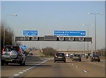 TQ0464 : Motorway Gantry over M25 by Rob Emms
