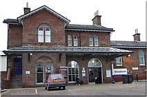 NO8686 : Stonehaven railway station (2007) by Stanley Howe