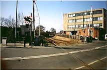 TA2609 : Level Crossing by John Beal