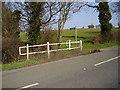 TL1489 : Footpath by the stream to Folksworth by Ken Brockway