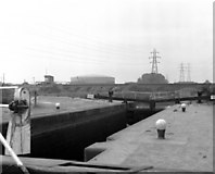 SK5702 : Freeman's Meadow Lock, Leicester Line, Grand Union Canal by Dr Neil Clifton