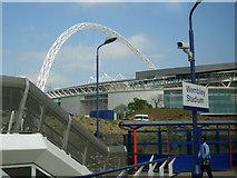 TQ1985 : Wembley Stadium arch from rail station by John Allen