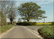 TM2567 : Road junction, just east of Tannington by Robert Edwards