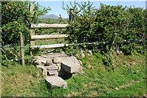SH3537 : Camfa beryglus Llannor A dangerous stile by Alan Fryer