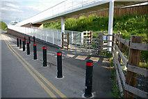 SJ8092 : Motorway footbridge ramp adjacent to Sale Water Park by Phil Champion
