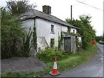 O1070 : Derelict house near Shallon by Jonathan Billinger