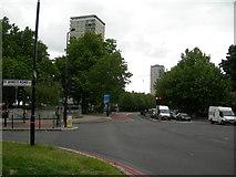 TQ3479 : Jamaica Road, SE16 (2) by Danny P Robinson