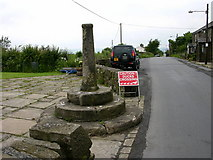 SD7513 : Affetside Cross by liz dawson