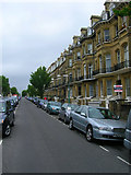 TQ2904 : First Avenue - Eastern Side by Simon Carey
