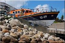 J3729 : Launching Newcastle lifeboat (1 of 7) by Albert Bridge