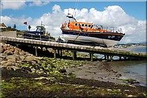 J3729 : Launching Newcastle lifeboat (3 of 7) by Albert Bridge