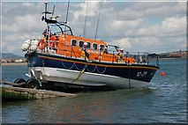 J3729 : Launching Newcastle lifeboat (4 of 7) by Albert Bridge