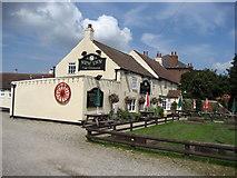SE3293 : New Inn by Chris Heaton