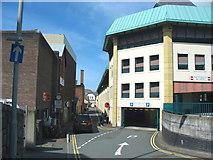 SH4862 : Car park entrance at the rear of Pool Street/Stryd y Llyn by Eric Jones