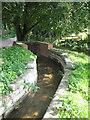 TG0639 : Ingenious aqueduct to lake by Zorba the Geek