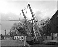 SJ5848 : Wrenbury Lift Bridge, Llangollen Canal by Dr Neil Clifton