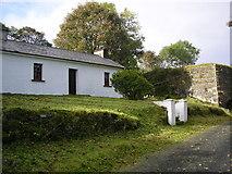 G7588 : Rosie Tammy's Cottage Cronkeeran by Dennis Reynolds