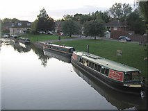 SU3368 : Hungerford wharf by Phil Williams