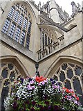 ST7564 : Bath Abbey and hanging basket by Jonathan Billinger