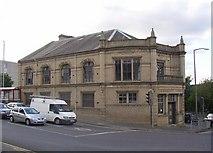 SE1537 : Carnegie Library, Crag Road / Briggate, Shipley by Humphrey Bolton