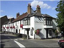 TQ1667 : Ye Olde Swan, Thames Ditton by al partington